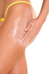 Антицеллюлитные крема, гели и скрабы полезны на начальных стадиях целлюлита
